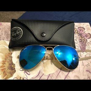 Ray Ban Aviator Gold Blue Polarized Sunglasses